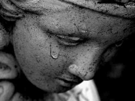 Caminhando para o fim… Tears_of_sadness